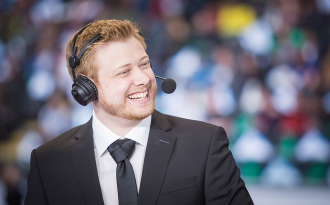 Popular Dota 2 caster 'TobiWan' signs with Code Red